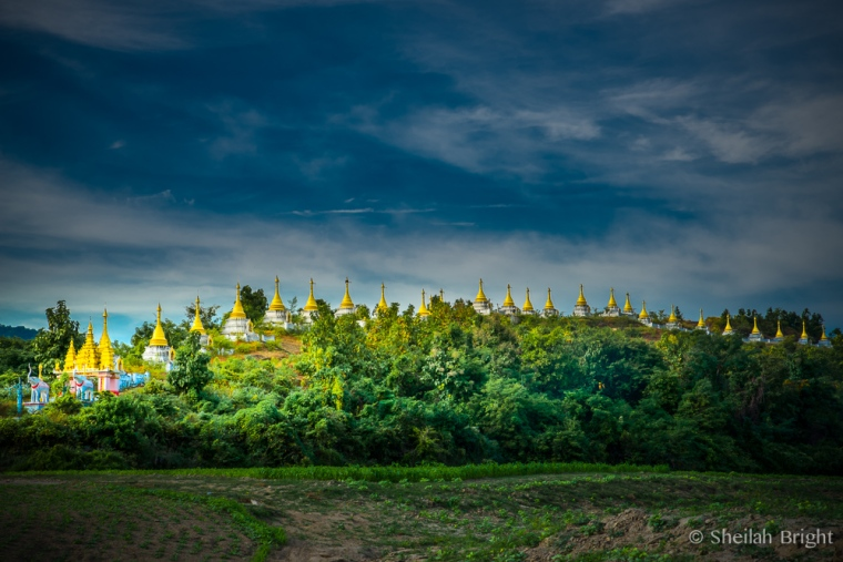 Along the Chindwin River, the 28 golden-topped pagodas of Masate greet the sky and river guests.
